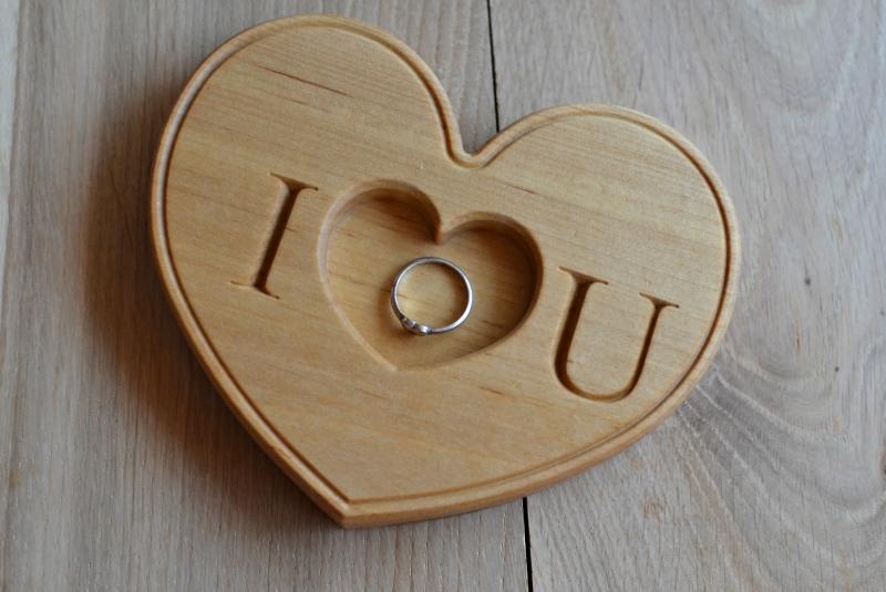 Engraved wedding ring holder