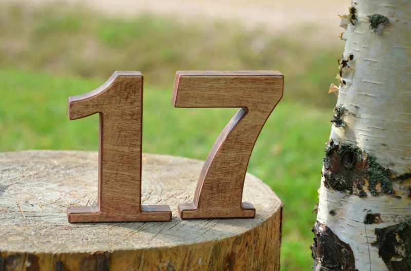 stand alone wooden numbers 1